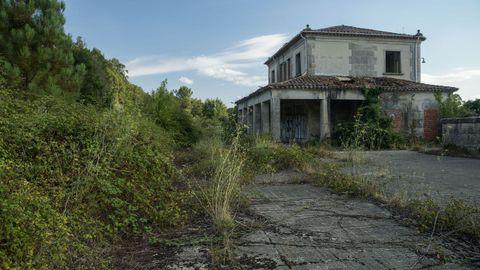 A estación de Boborás está abandonada ao non saír adiante o proxecto de recuperación