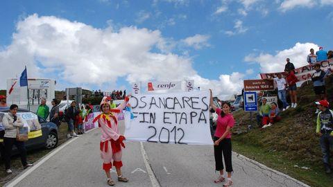 Un grupo de aficionados pedía en el 2011 que el puerto fuese final de etapa en el 2012