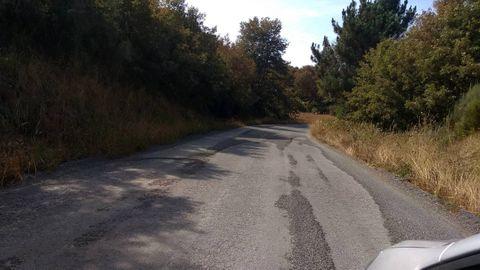 Un tramo de la carretera LU-P-1402, cerca de la localidad de Salcedo, donde se produjo el accidente