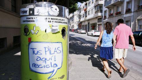 Un depósito de pilas situado en la Rúa Montevideo, en Lugo.