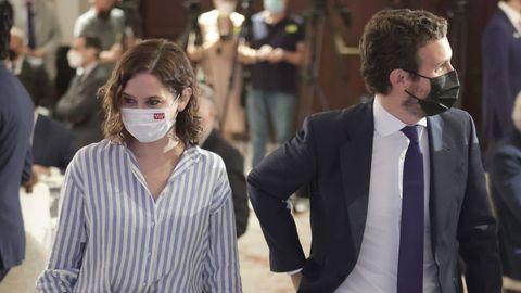 Isabel Díaz Ayuso y Pablo Casado, en un desayuno informativo en Madrid