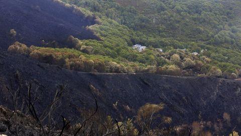 La aldea de Vilariño, uno de los lugares donde causó inquietud la cercanía del fuego