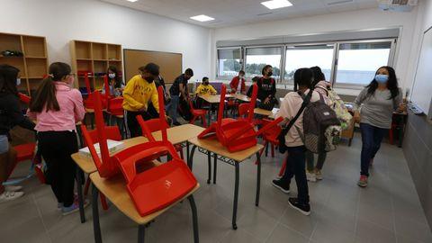 Primer día de colegio en el CEIP nuevo de Vilalonga, en Sanxenxo