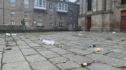 Estado en el que amaneció el entorno de la Catedral de Lugo