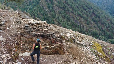 Una parte de los restos de la antigua fortificación que fueron puestos al descubierto en los últimos días