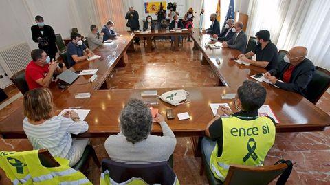 Mesa de diálogo sobre Ence reunida en la Subdelegación del Gobierno en Pontevedra