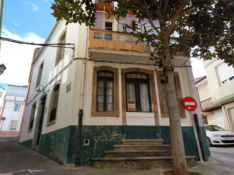 La casa del magnolio fue erigida en 1910 por la familia de conserveros Filgueira Abella