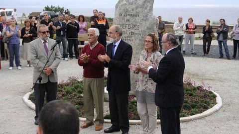 Homenaje a Adolfo Ros en la playa de Doniños en agosto de 2010