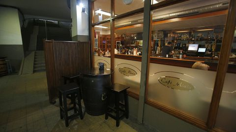 O café Minín, nas vellas galerías do barrio.