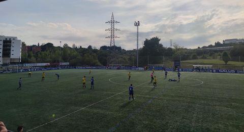 Un momento del partido entre el Covadonga y el Real Oviedo