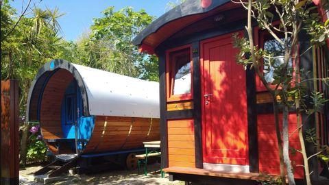 Alojamiento en forma de carro zíngaro en el cámping Gaivota