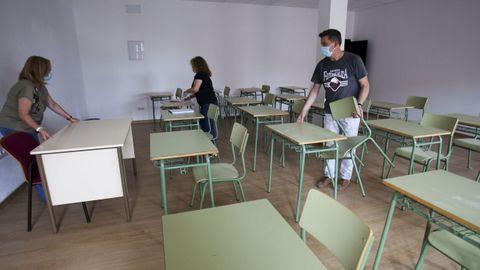 Preparativos en el IES Concepción Arenal, donde la antigua casa del conserje se ha sometido a obras para acoger dos aulas (en la imagen)