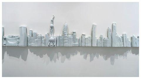 «Sombras en el agua» (2002-2003), obra en porcelana de Liu Jianhua.