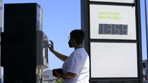 Una gasolinera en un polígono industrial de Lugo