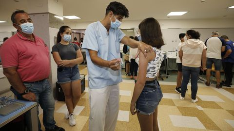 Para este sábado han sido citados 682 jóvenes de entre 12 y 13 años para recibir la segunda dosis de la vacuna en el hospital mariñano