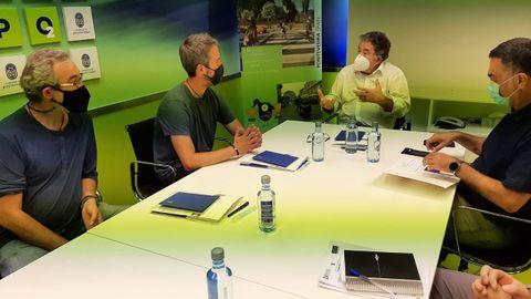 Arroxo y Alexandre Penas con el alcalde de Pontevedra