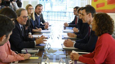 Imagen de la primera reunión de la mesa de diálogo entre el Gobierno y la Generalitat, celebrada  en La Moncloa el 20 de febrero del 2020, en la que participaron políticos independentistas que no estaban en el Gobierno catalán, como Elsa Artadi.