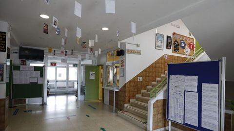 Los centros de ESO y Bachillerato, como el IES Chamoso Lamas, tienen todo listo para recibir a los alumnos