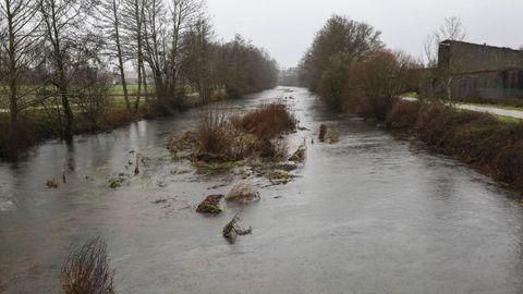 Las precipitaciones de principios de año inundaron el canal