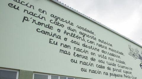 Mural en un exterior del instituto Eduardo Pondal de Ponteceso