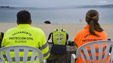 Imagen de archivo del equipo de salvamento en la playa de Santa Cristina.