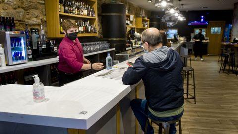 El bar O' Sampaio fue uno de los primeros establecimientos en abrir sus barras.