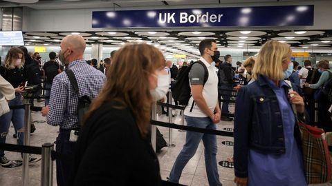 Llegada de pasajeros a Aeropuerto de Heathrow, en Londres