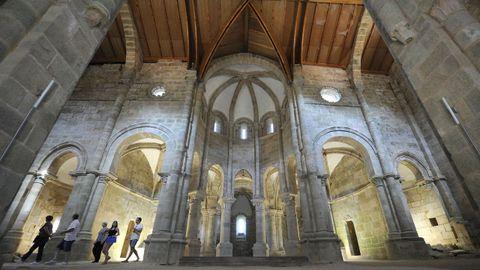 Interior del monasterio de Carboeiro, en Silleda.