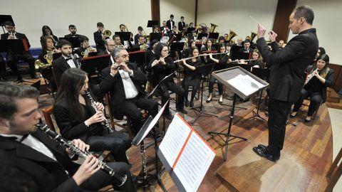Un concierto de la Banda Artística de Merza ofrecido en Vila de Cruces en el 2018