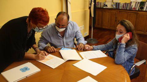 Ferreiro, con los empresarios de atracciones en el Concello