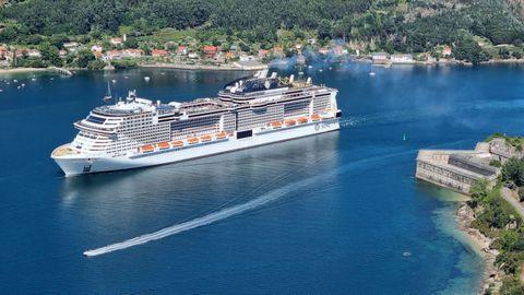 El MSC Virtuosa, a su salida de Ferrol