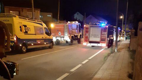 Numerosos medios acudieron a Poio para prestar colaboración en el incendio