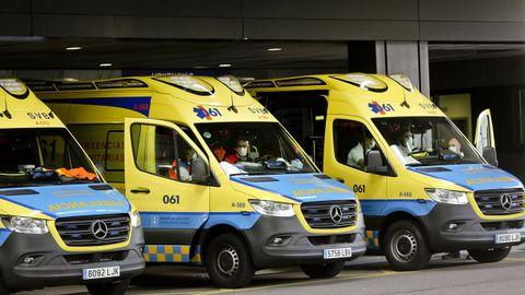 Ambulancias delante del Cunqueiro, en imagen de archivo