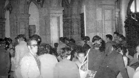 Encierro de pensionistas en la iglesia de San José, Gijón, en el año 1971.