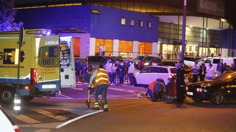 El herido fue trasladado en ambulancia al Hospital da Mariña
