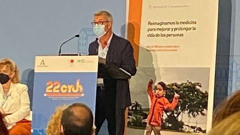 Luis Verde, gerente del área sanitaria de A Coruña, durante su intervención en el Congreso Nacional de Directivos de Hospitales