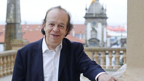 El pianista Cyprien Katsaris ofrecerá un concierto este miércoles en el festival Ferrol no Camiño.
