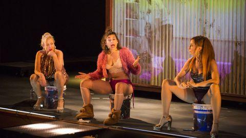 Representación de la obra Prostitución en el FIOT 2020.