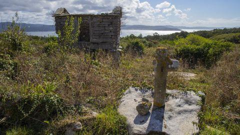 A inicios de septiembre, una cruz próxima a las casas apareció desmembrada