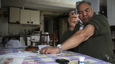 José Lamas necesita pincharse seis veces al día por la diabetes