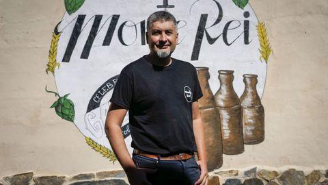 Pablo Casanova empezó en el 2005 como agricultor a tiempo parcial y ahora tiene su empresa de cerveza artesana