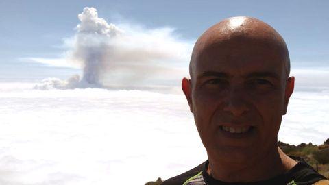 Suso Valverde, médico ourensano al que la erupción del volcán le sorprendió estando de vacaciones en La Palma.