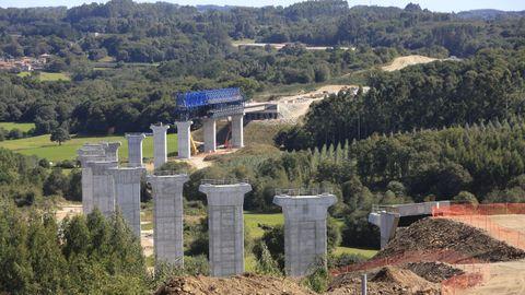 Construcción del viaducto sobre el río Pambre de la A-54