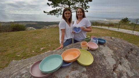As emprendedoras Anabel Pérez e Maruxa Figueiras venden a través de Instagram pezas de decoración e bixutería