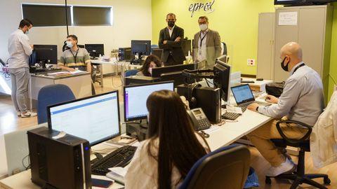 El director xeral de Comercio e Consumo, Manuel Heredia, visitó la sede de Eprox en San Cibrao das Viñas
