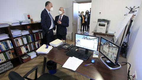 Visita del presidente de la Diputación de Lugo a la reforma del Fogar de Santa María
