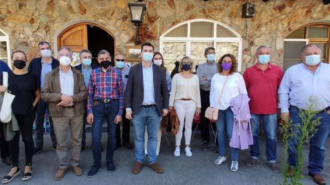 Caballero en Navia con alcaldes e concelleiros socialistas da montaña de Lugo