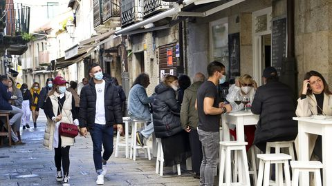 Las calles de Baiona el pasado otoño mantuvieron su ambiente pese al covid.