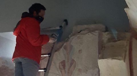 Toma de muestras de las pinturas de Bóveda