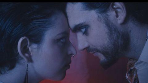 Elisabeth Duval y Ernesto Castro en el videoclip.